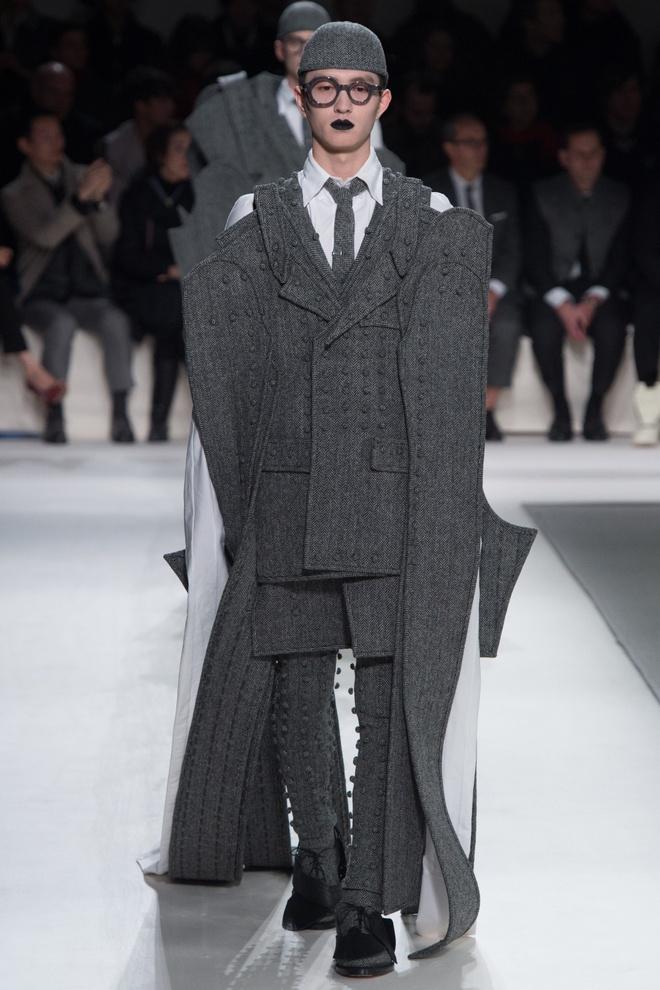 Mot tay ao dai quet dat len ngoi tai Paris Fashion Week hinh anh 6