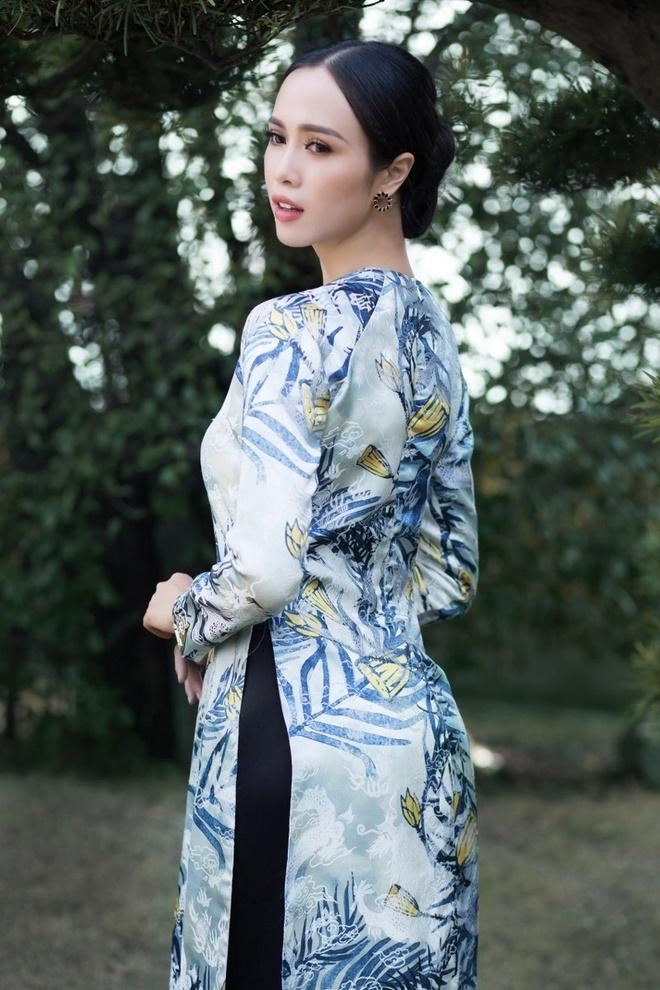 Vu Ngoc Anh ao dai anh 5