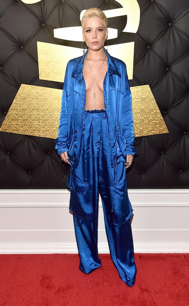 Nhung trang phuc gay soc nhat tham do Grammy 2017 hinh anh 6