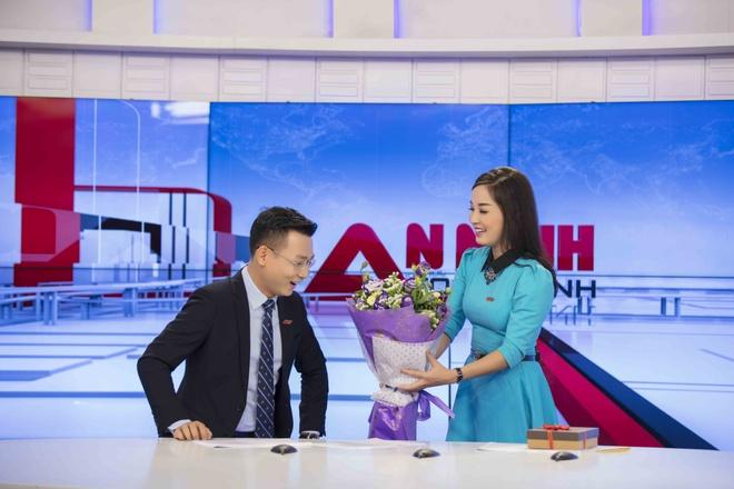 Minh Huong khien dong nghiep boi roi khi tang qua Valentine hinh anh 1