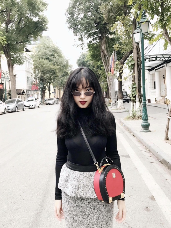 Hot girl Chau Bui tu van 4 set do cho ngay Valentine hinh anh 2