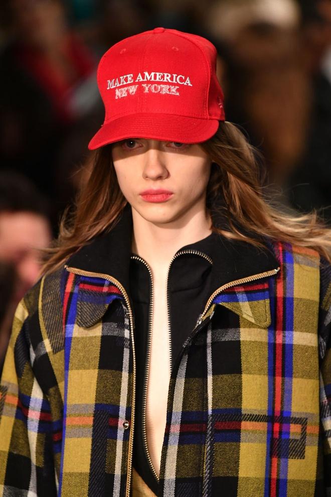 New York Fashion Week thu dong 2017 anh 2