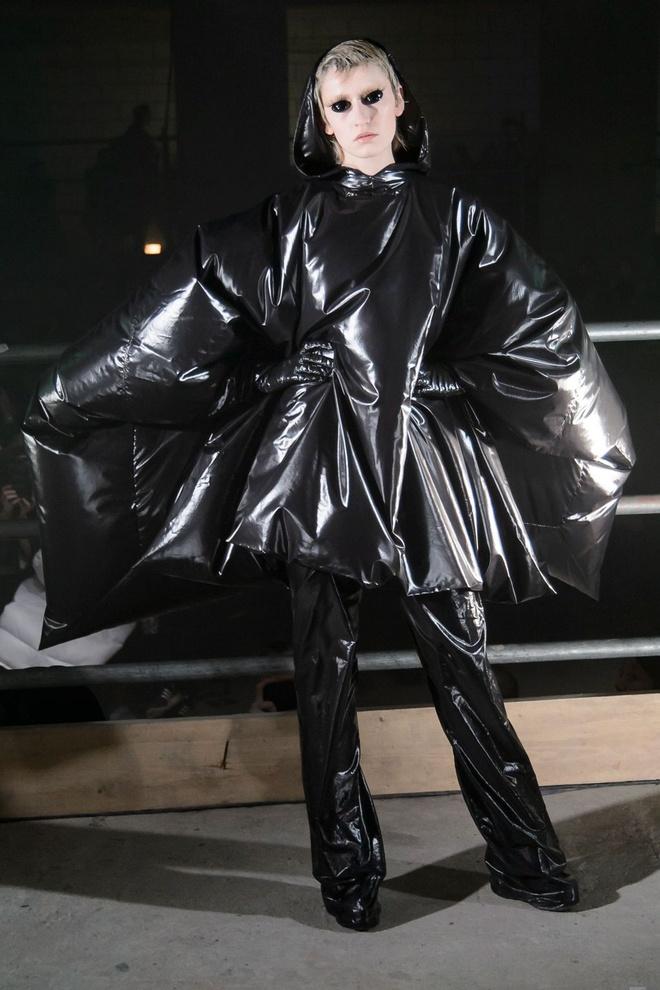 London Fashion Week thu dong 2017 anh 7