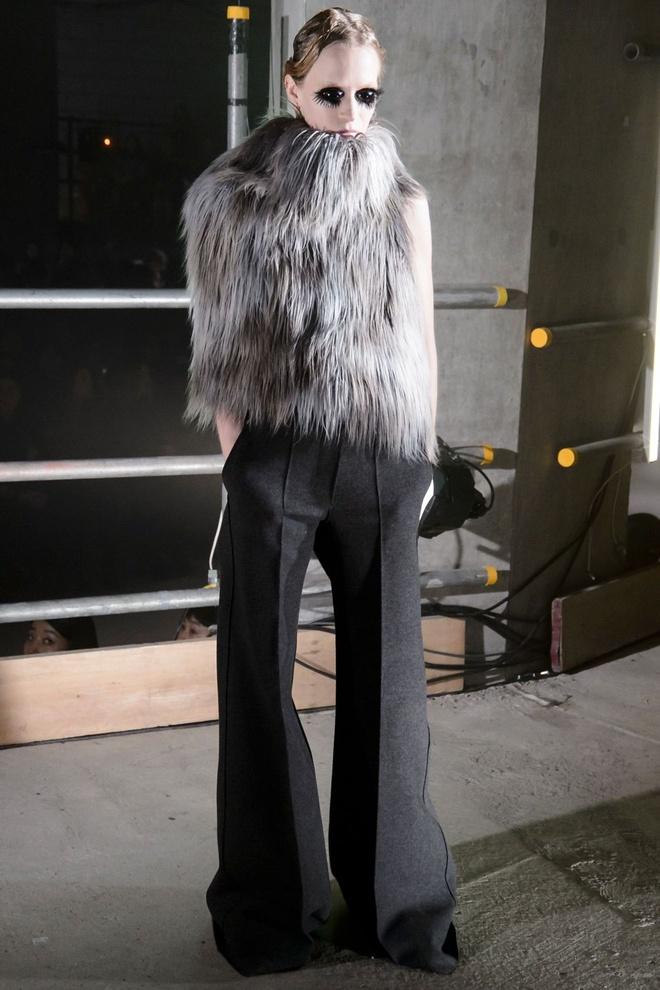 London Fashion Week thu dong 2017 anh 9