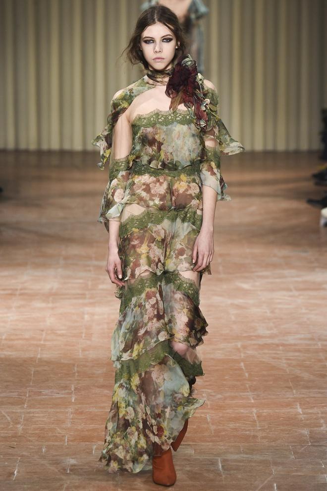 Chi em sieu mau 9X Gigi Hadid do bo Milan Fashion Week hinh anh 7