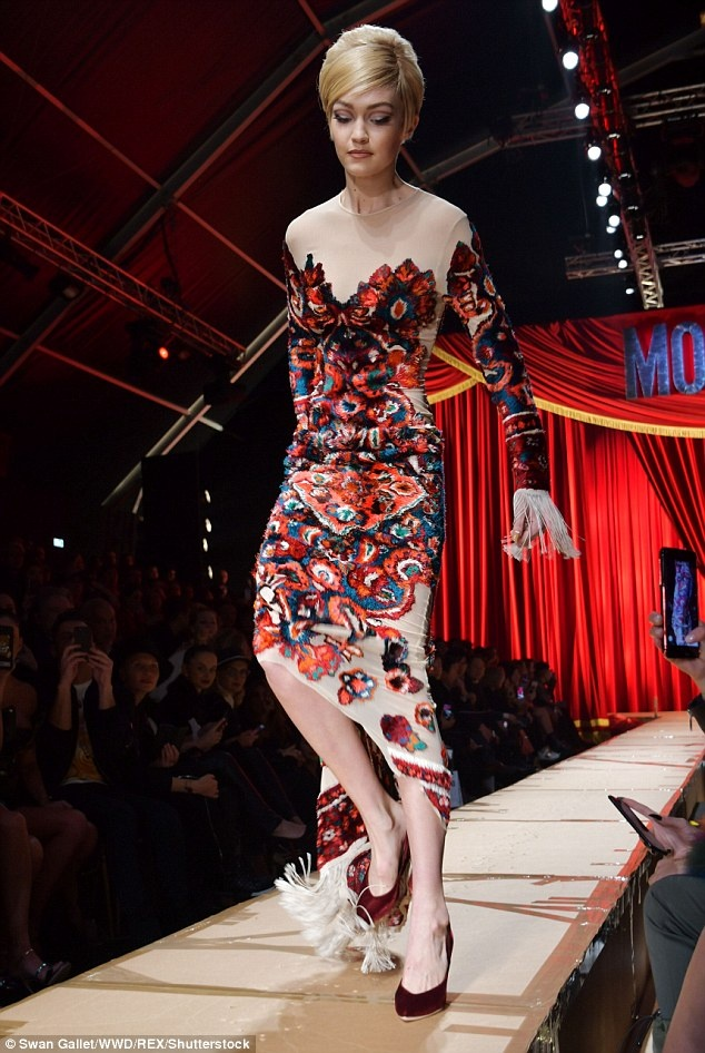 Nguoi mau mac rac thai trinh dien o Milan Fashion Week hinh anh 11