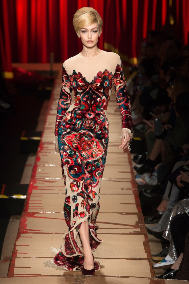Nguoi mau mac rac thai trinh dien o Milan Fashion Week hinh anh 12