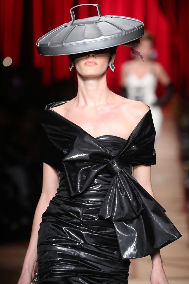 Nguoi mau mac rac thai trinh dien o Milan Fashion Week hinh anh 6