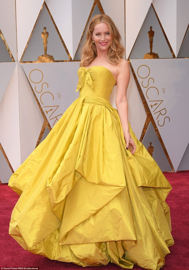 Nhung tham hoa thoi trang tai Oscar 2017 hinh anh 1