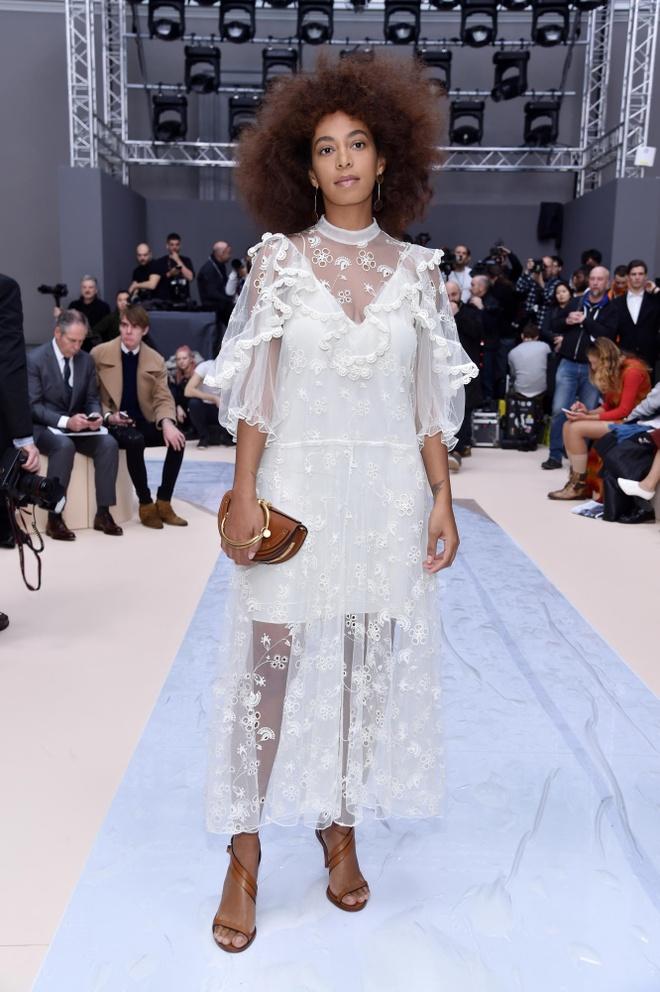 Paris Fashion Week thu dong 2017 anh 9