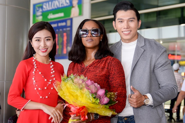 Top 17 Hoa khoi Du lich don ca si Shontelle den Viet Nam hinh anh