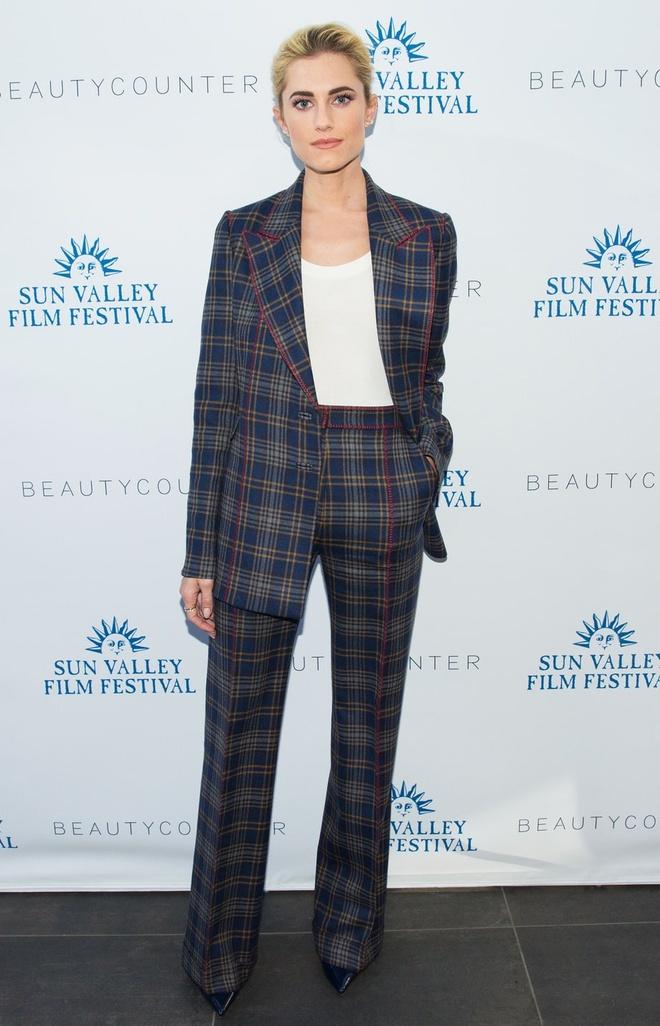 Emma Watson Nguoi dep va quai vat anh 5