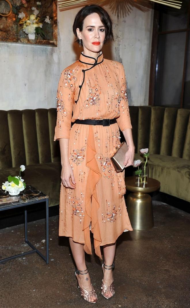 Emma Watson Nguoi dep va quai vat anh 4