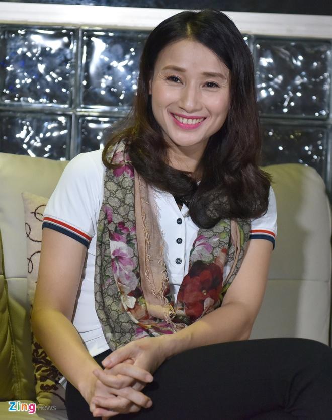 Nha bao Le Binh: 'Toi chua bao gio doa dam, xin tien doanh nghiep' hinh anh 2