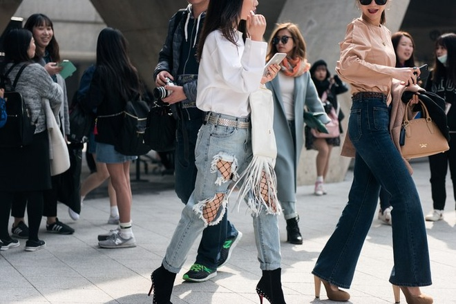 Quan rach, tat luoi phu song Seoul Fashion Week 2017 hinh anh 7