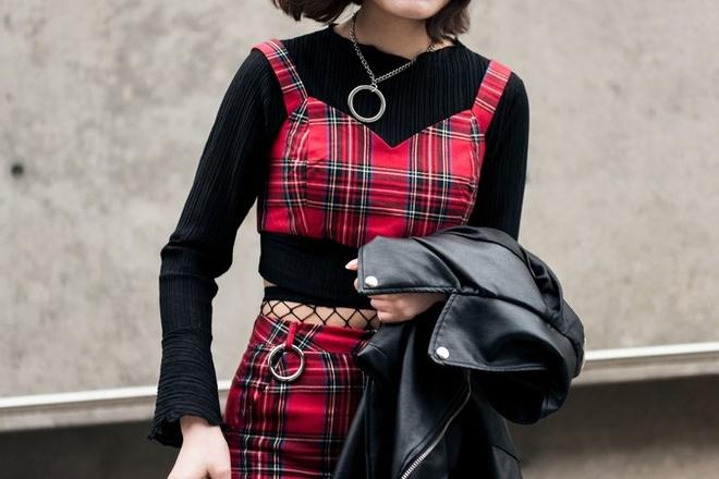 Quan rach, tat luoi phu song Seoul Fashion Week 2017 hinh anh 10