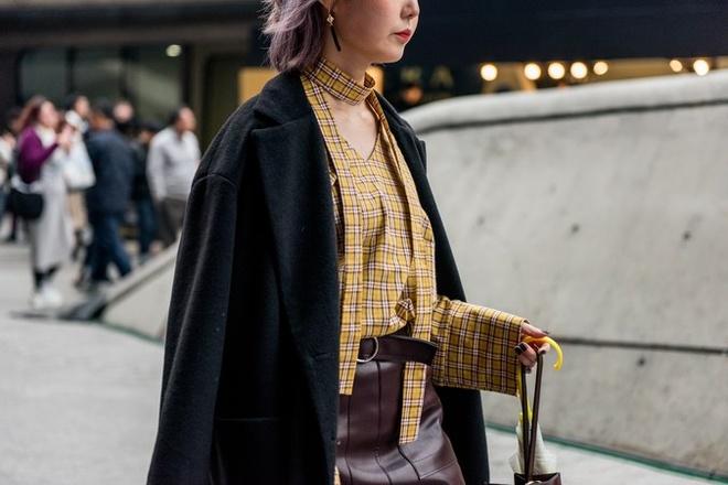 Quan rach, tat luoi phu song Seoul Fashion Week 2017 hinh anh 13