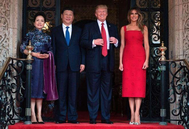 Melania Trump cat ngan vay khi tiep don ba Banh Le Vien hinh anh 1
