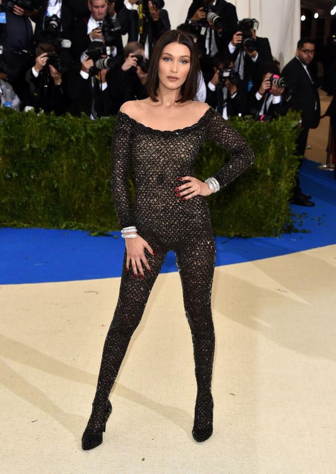 Bella Hadid: Noi tieng nho tai nang hay phong cach thoi trang tao bao? hinh anh 4