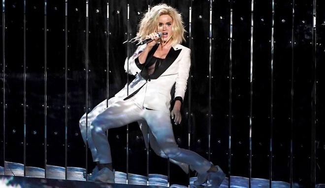 Katy Perry khong la 'nu hoang bi kich' nhu Taylor Swift hinh anh 1