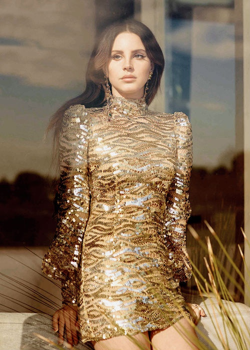 Lana Del Rey, nang tho thoi u sau hinh anh 2