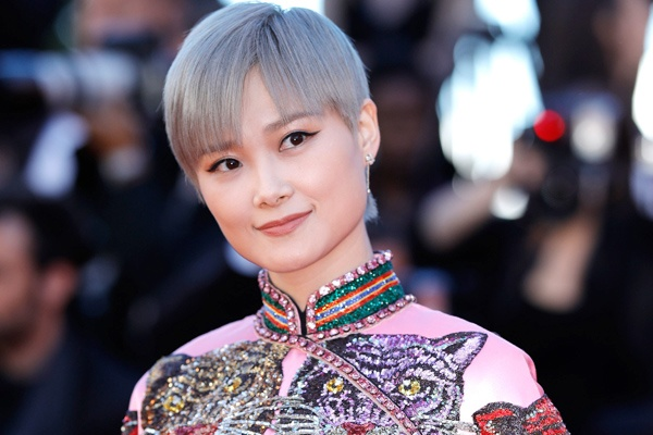 Ly Vu Xuan bat ngo tro thanh hien tuong tham do Cannes hinh anh