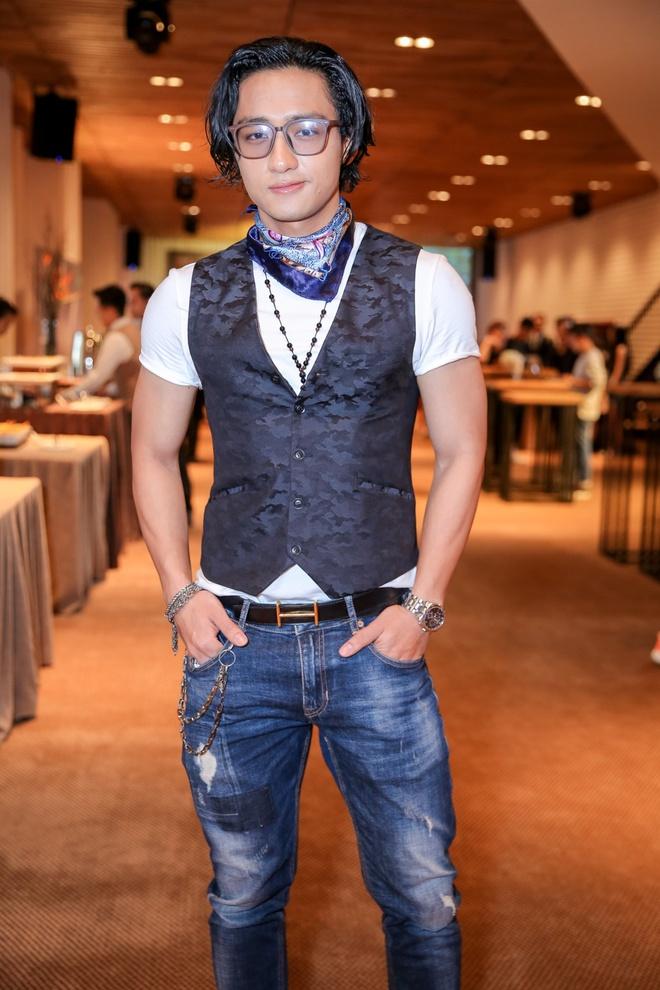Diep Lam Anh, host The Face mac loi trang phuc tuan qua hinh anh 6