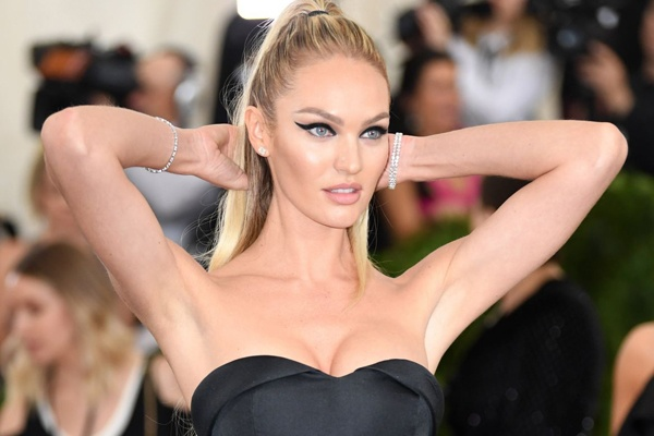 Thien than noi y Candice Swanepoel tai xuat goi cam sau sinh hinh anh