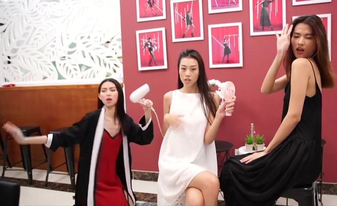 Vi sao Vietnam's Next Top Model phan chia team sang va team ao? hinh anh 1