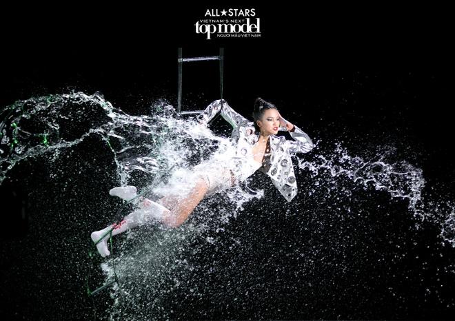 Bi che nhat, thi sinh Next Top Model phan ung: 'Em van la ngoi sao' hinh anh 2