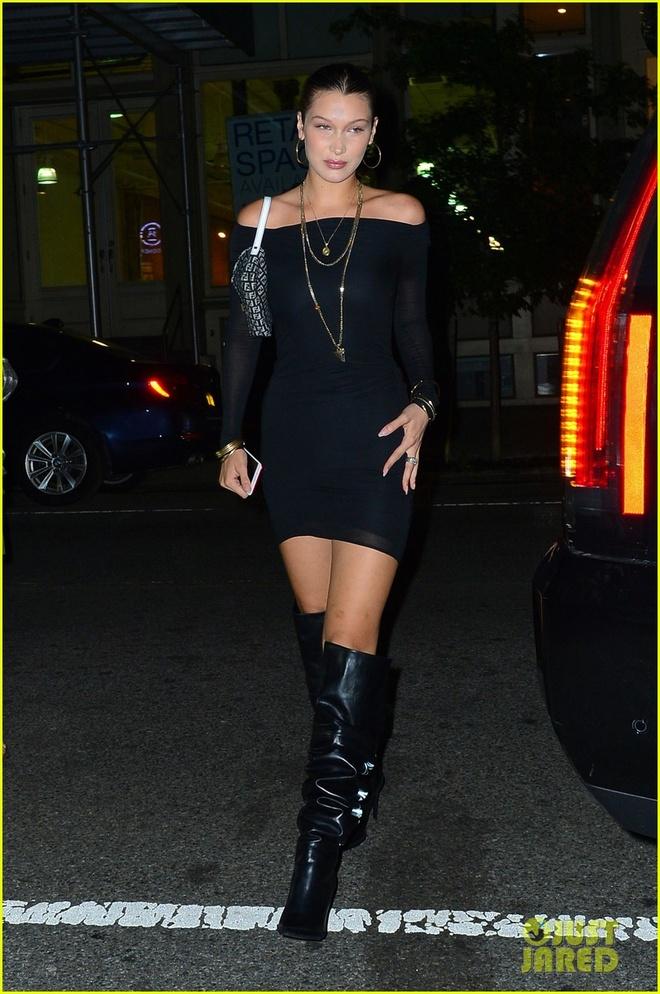 Kendall Jenner mac ao sieu ngan di tiec hinh anh 3