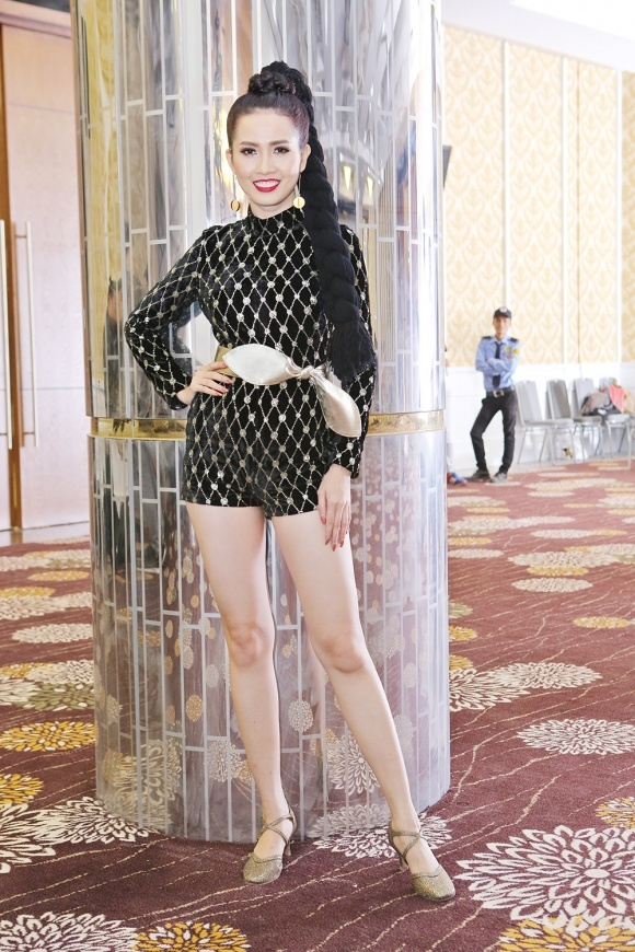Ha Ho, Angela Phuong Trinh mac dep nhat tuan hinh anh 8