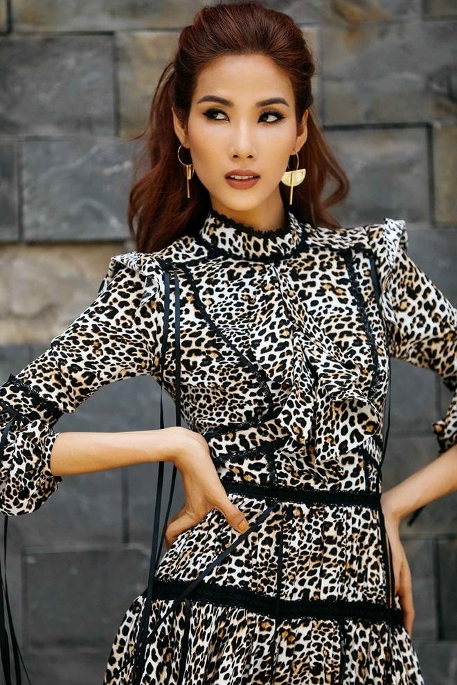 Hoang Thuy 'lot xac' tu Next Top Model den Hoa hau Hoan vu Viet Nam hinh anh 10