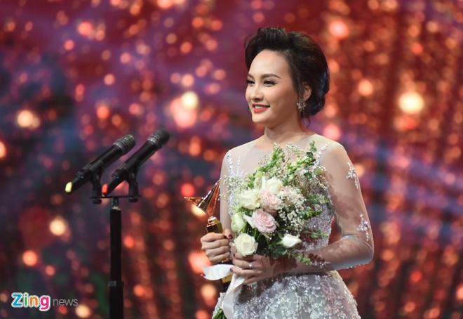 Nghe si Hoang Dung va phim 'Nguoi phan xu' doat giai VTV Awards hinh anh 5