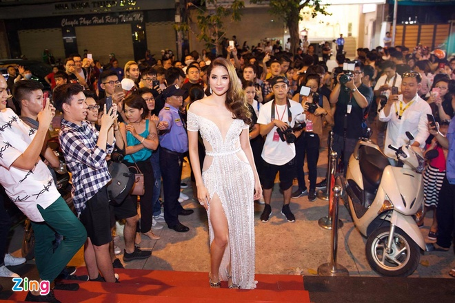 San khau chung ket Next Top Model 2017 nao loan vi thieu cho ngoi hinh anh