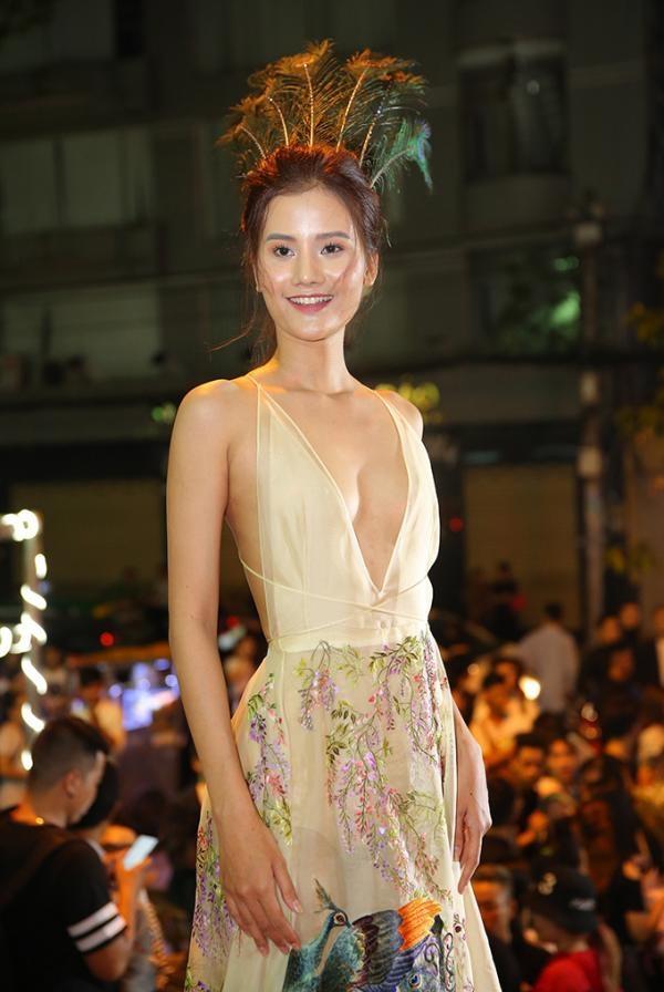 Phuong Trinh Jolie, Huong Ly vao nhom sao mac xau hinh anh 2