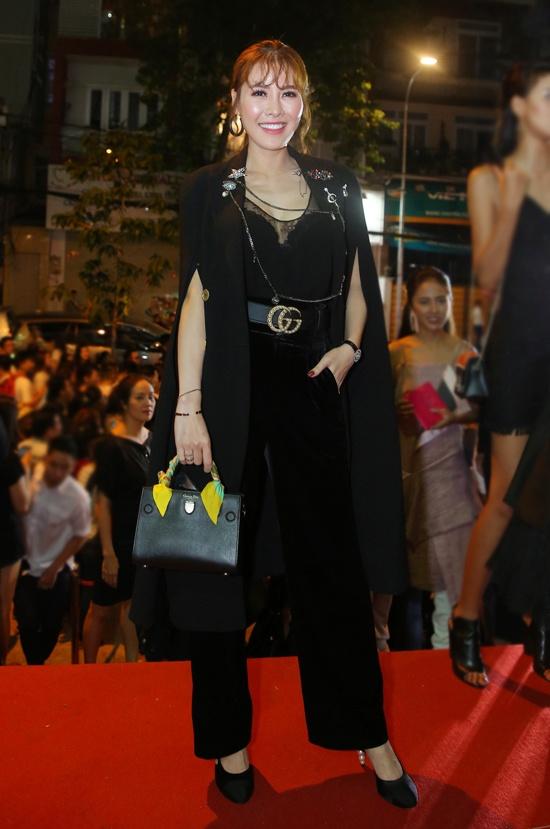 Phuong Trinh Jolie, Huong Ly vao nhom sao mac xau hinh anh 5