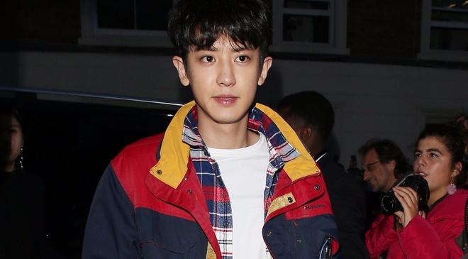Chanyeol (EXO) duoc khen ngoi gu thoi trang tai London Fashion Week hinh anh