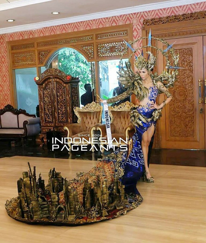 Trang phuc dan toc hoanh trang cua Hoa hau Hoa binh Indonesia hinh anh 2
