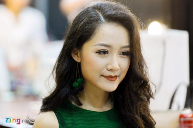 BTV Thu Ha: 'Khong the vua lam thoi su, vua chup anh bikini' hinh anh