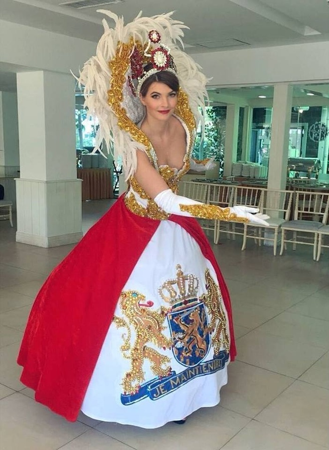 Hoa hau My Linh mac ao tu than, doi non quai thao o Miss World 2017 hinh anh 6