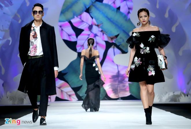 Angela Phuong Trinh, Ky Duyen ngoi hang ghe dau show thoi trang hinh anh 7