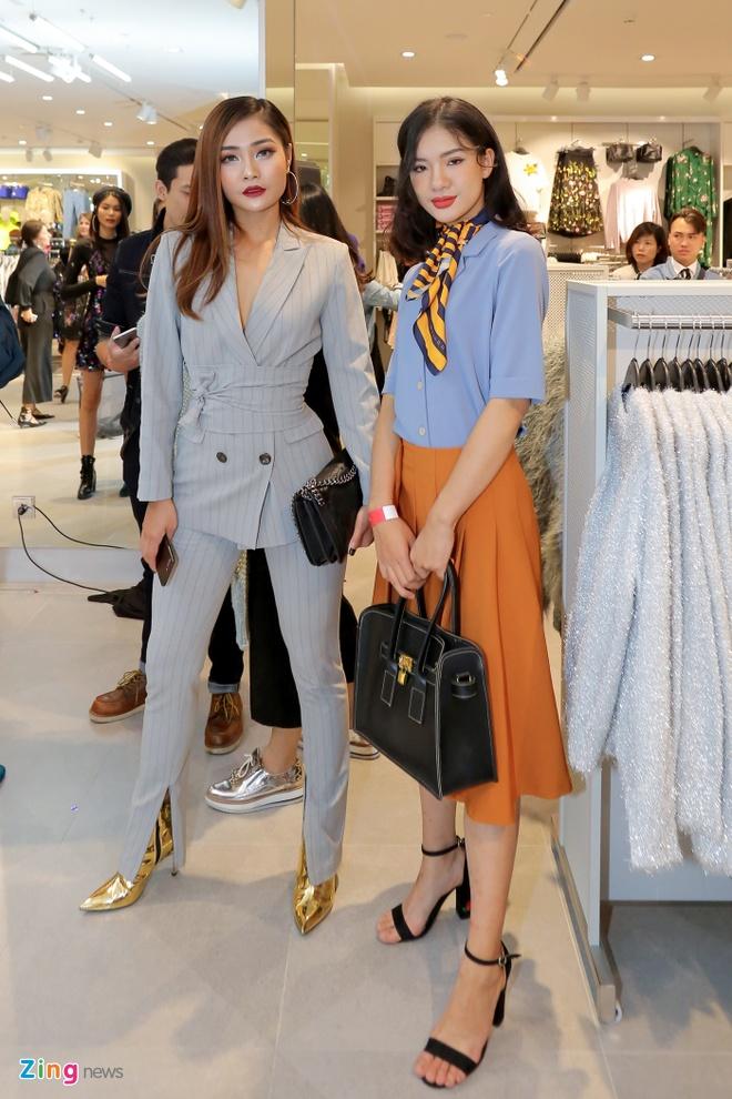 Sao Viet du khai truong som cua hang H&M dau tien tai Ha Noi hinh anh 9