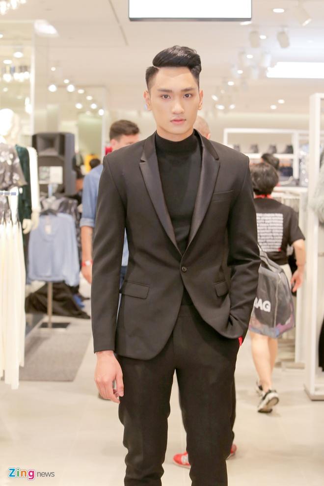 Sao Viet du khai truong som cua hang H&M dau tien tai Ha Noi hinh anh 8