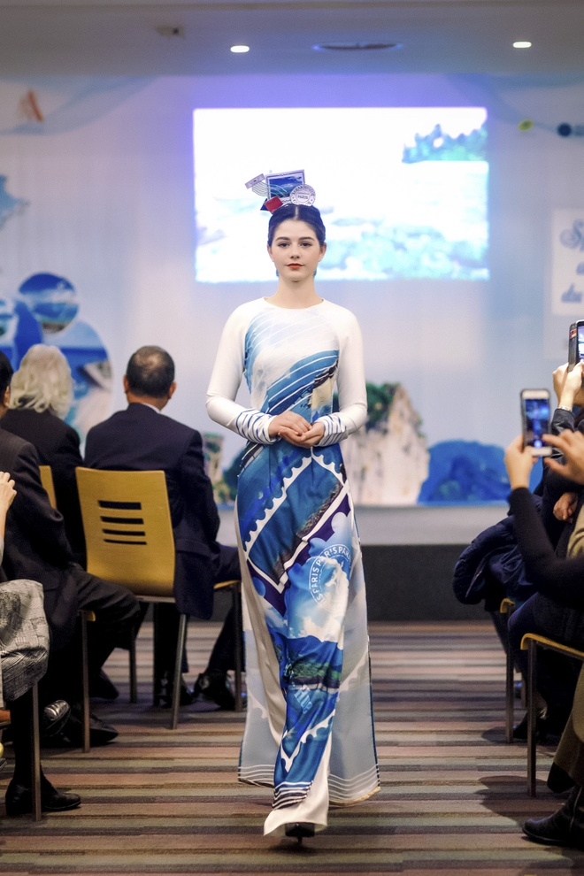 Ngoc Han trinh dien bo suu tap ao dai tai tru so UNESCO hinh anh 6