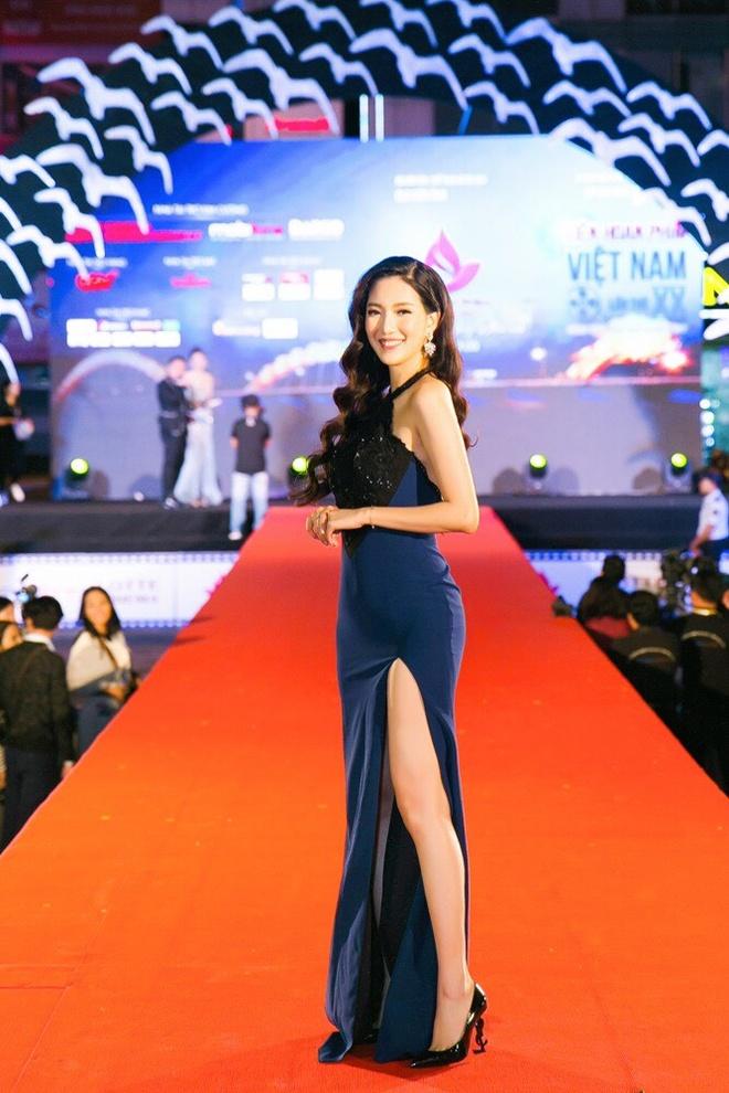 Sao Viet rang ro tren tham do Lien hoan phim Viet Nam 2017 hinh anh 14