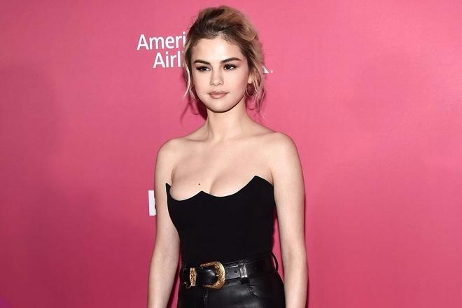 Selena Gomez mac dep nhat tuan voi ao cup nguc hinh anh