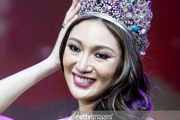 6 Hoa hau dang quang nam 2017: Nguoi duoc khen, nguoi gay that vong hinh anh