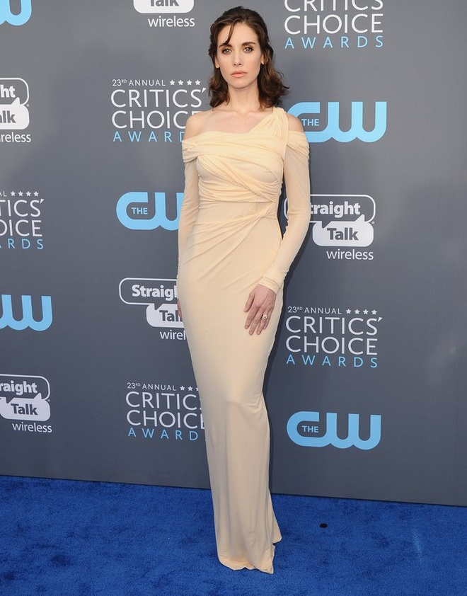 Angelina Jolie vao nhom sao dep nhat tham xanh Critics' Choice Awards hinh anh 8