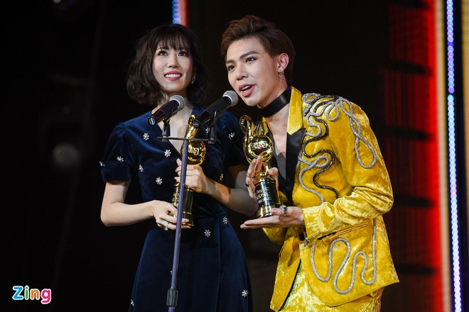 Min va Soobin Hoang Son thang lon o Zing Music Awards 2017 hinh anh 32